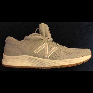New Balance Arishi Fresh Foam Sneakers Like New 7B